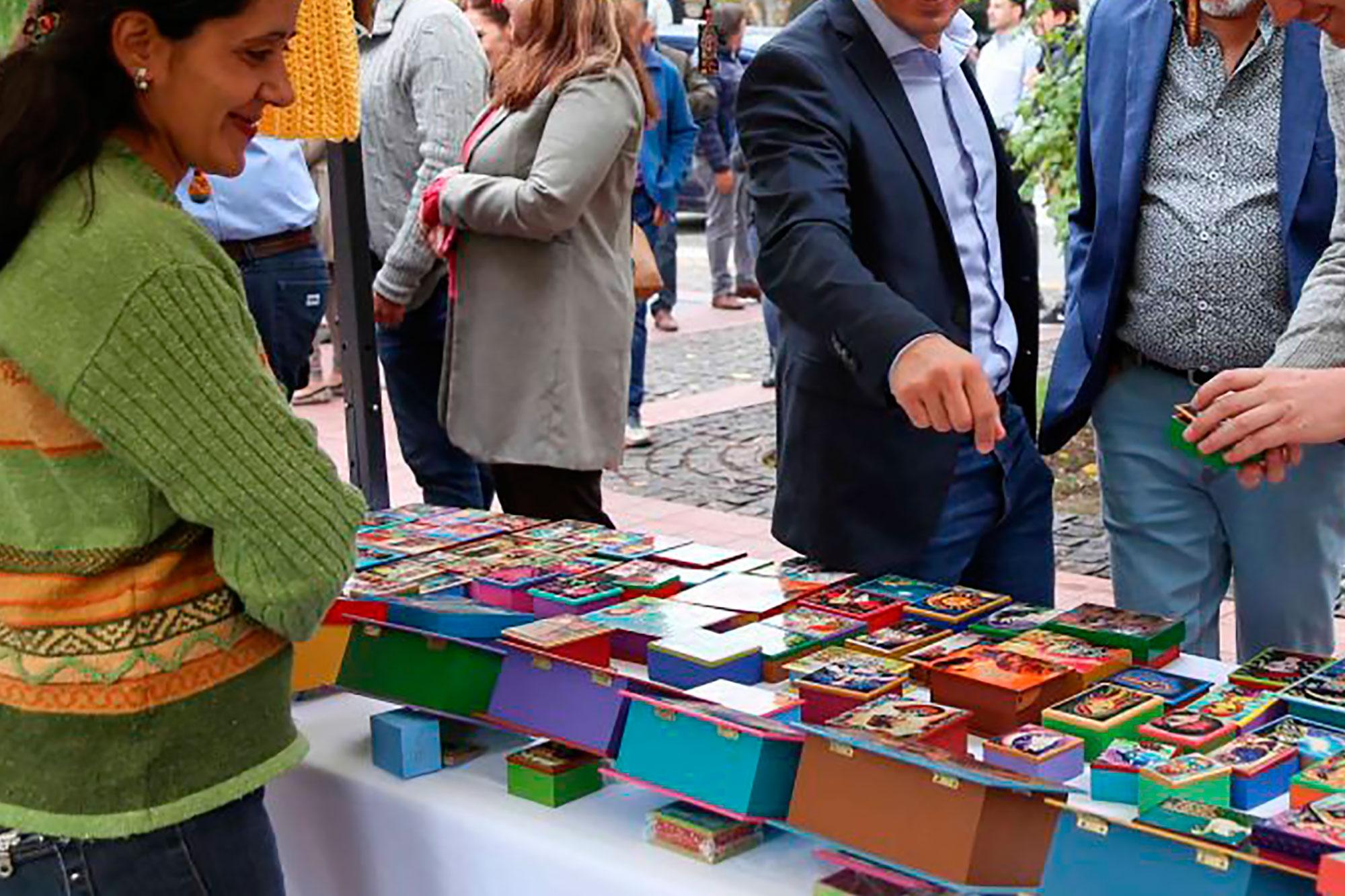 Feria de Artesanos y Emprendedores